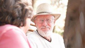 Ikäihmisten hyvästä hoidosta tulee huolehtia, mutta ei lääkehoidosta tinkien